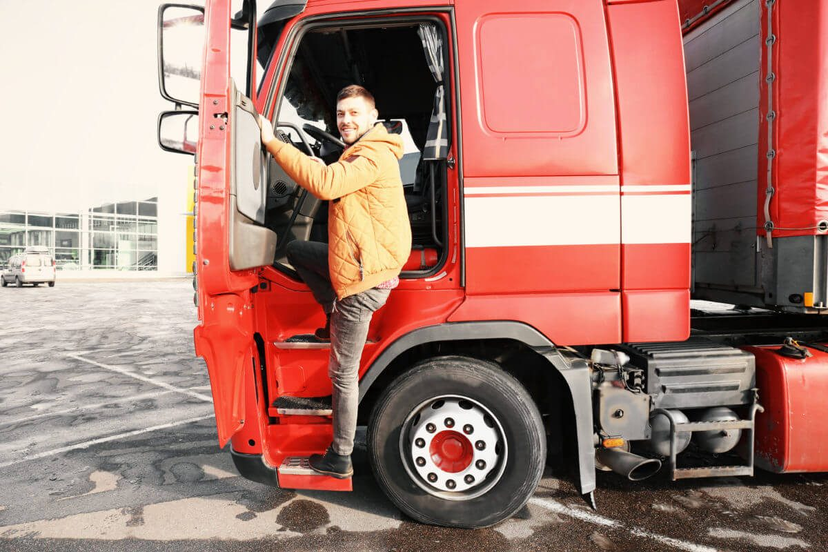 Why Should You Work Through a Trucking Company?