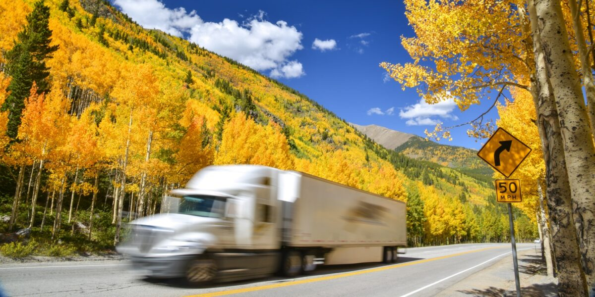 4 Dangers of Speeding in a Semi-Truck